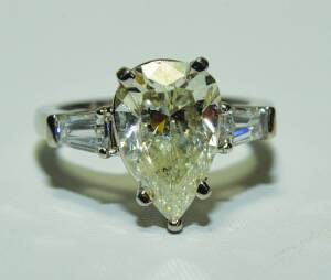 DIAMOND RING - ONLINE ONLY AUCTION