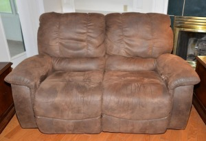 LOVE SEAT- ARTIFICIAL LEATHER STYLE - MATCHES LOT NO. 1