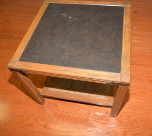 SQUARE END TABLE WITH BLACK INSERT TOP