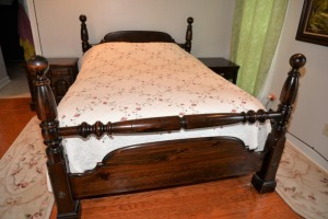 KLING COLONIAL BEDROOM SUITE - NICE, DARK FINISH