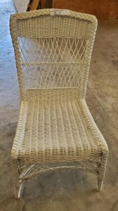 WHITE WICKER SIDE CHAIR