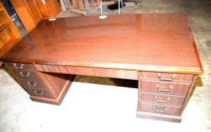 EXECUTIVE OFFICE DESK - 4 DRAWERS PER SIDE