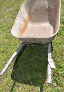 WHEELBARROW, PNEUMATIC TIRE, IN GOOD SHAPE