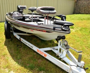 1987 RANGER 360V BOAT AND TRAILER & MERCURY XR4 BLACK MAX 150 HP MOTOR  ** OFFERED SEPARATE WITHOUT LOT 50A HUMMINBIRD HELIX 9 FISHFINDER **