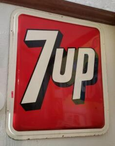 """7up"" METAL SIGN, BRIGHT COLOR"