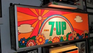 7UP LIGHT, DOES WORK, PLASTIC, COLORFUL
