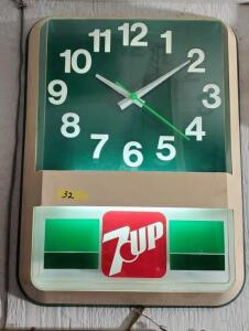 """7UP"" CLOCK, GREEN, PLASTIC, LIGHT WORKS"