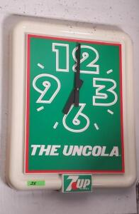 "PLASTIC 7UP CLOCK ""THE UNCOLA"", GREEN AND RED"