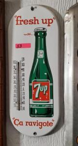 "METAL THERMOMETER ""fresh up with 7up Ca ravigote"""