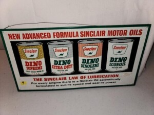 """NEW ADVANCED FORMULA SINCLAIR MOTOR OILS"" TIN SIGN - SHOWS WEAR AND SCRATCHES - SLIGHT RUST ON BACK - ""AAA SIGN CO. COITSVILLE, OHIO"" - SIZE 16"" WIDE x 8.25"" TALL"