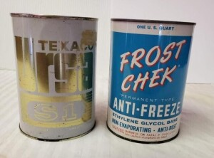 (2) MOTOR FLUID QUART CANS - TEXACO URSA S1 OIL QUART CAN, CAN SHOWS SCRATCHES, RUBS, BRIGHT WRITING, NUMEROUS SPOTS, TOP AND TOP RIM MOSTLY CLEAR WITH LIGHT RUB, LOWER RIM SHOWS RUB AND TARNISH, BOTTOM IS BRIGHT WITH SPOTS -- FROST CHEK ANTI-FREEZE QUART