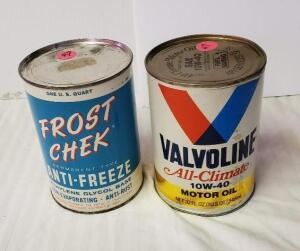 (2) MOTOR FLUID QUART CANS - FROST CHEK ANTI- -FREEZE QUART CAN, EMPTY CAN WITH NO HOLES, WRITING AND COLOR IS GOOD, SLIGHT RUBS NEAR TOP, TOP SHOWS LIGHT RUBS AND PITTING AND STAIN FROM TAG, LOWER RIM SHOWS SOME RIM, BOTTOM BRIGHT WITH SCRATCHES AND SPOT