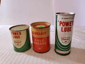 (3) VINTAGE SINCLAIR MOTOR CARE CANS VINTAGE SINCLAIR POWER LUBE 4 OZ CAN. VALVE LUBRICATION OIL, COLOR IS GOOD, FEW SCRATCHES, TOP AND TOP RIM HAS FEW DISCOLORATIONS AND LIGHT PITTING, LOWER RIM HAS LIGHT PITTING, BOTTOM IS BRIGHT WITH SLIGHT RUB -- VINT