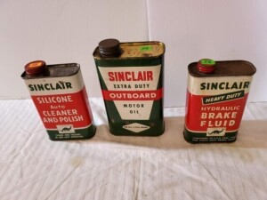 (3) VINTAGE SINCLAIR MOTOR CARE CANS SINCLAIR OUTBOARD MOTOR OIL QUART CAN, COLOR IS GOOD, SHOWS NUMEROUS SCRATCHES, RUBS ON FRONT, BENT ON EDGE, TOP AND TOP RIM SHOWS WEAR AND LIGHT PITTING, CAP SHOWS PITTING, BOTTOM RIM SHOWS WEAR, BOTTOM IS BRIGHT WITH