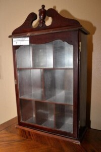MAHOGANY TABLE CABINET WITH GLASS DOOR AND