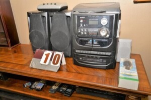 AVGO STEREO SYSTEM WITH DOUBLE CASSETTE DECK,