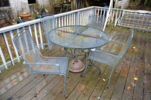 ROUND PATIO TABLE - MESH METAL TOP - (4) MESH