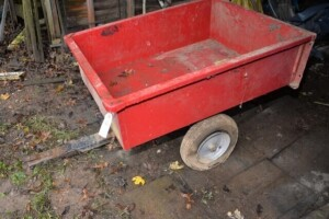 LOAD HOG YARD CART -- PAINT IS GOOD -- NEEDS