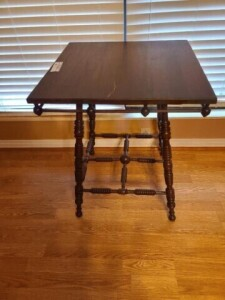 LAMP TABLE - TURNED RING LEGS AND EXPANDERS -