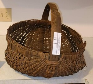 (2) CORN BASKETS AND STRAWBERRY CARRIER