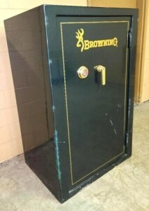 BROWNING MODEL RL2746 GOLD SERIES GUN SAFE