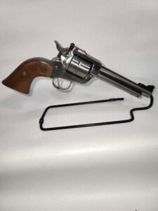 RUGER NEW MODEL REVOLVER - SINGLE-SIX - 22 MAG CAL