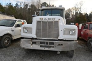 1988 MACK TRACTOR DAY CAB - VIN# 1M3N231K9JT004508