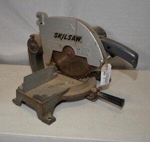 SKILL MITER SAW - MODEL 3810 - DOES NOT RUN -
