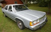 1989 FORD LTD CROWN VICTORIA 4 DOOR SEDAN -VIN: 2FABP74F3KX145605-