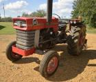 1971 MASSEY FERGUSON 165 DIESEL TRACTOR - 2,812 HOURS - SERIAL # 9A12095 - MISSING FROM BATTERY - REAR WEIGHTS - GOOD TIRES - AS2001 AUTOMATIC SPIN OUT REAR TIRE - CYLINDER HOOK UP - ONE REAR TIRE IS ALPHA TIRE SYSTEMS TIRE 16.9-28 -  RUNS GOOD
