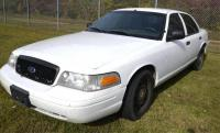 2011 FORD CROWN VICTORIA VIN: 2FABP7BV9BX116149 – HOLE IN REAR DOORS – HEADLIGHTS ON TOP – Miles: 149,893