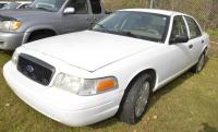 2010 FORD CROWN VICTORIA VIN: 2FABP7BV5AX118012 – PECKS AND PAINT WORN – SOMETHING ON FRONT FENDER- DRIVER MIRROR BUSTED – HOLE IN REAR DOOR – SCRATCHES Miles: 156,145
