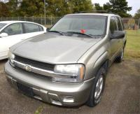 2002 CHEVROLET TRAIL BLAZER VIN: 1GNDT13S622501792 - EMERGENCY HORN BLOWS – PAINT PEELING ON PASSENGER SIDE BACK DOOR – BUMPER SCRATCHED AND PEELING – DAMAGE ON PASSENGER FRONT QUARTER PANEL & DOOR IS BENT & TORN – Miles: 210,559