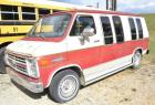 1985 CHEVY VAN 20  -RUNS - SHOWS SOME RUST - COLORS FADED - Miles: 66,132 RO