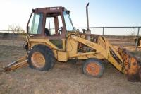 CASE CONSTUCTION KING 580E BACKHOE - SUPER E CONDITION UNKNOWN - NOT RUN IN SEVERAL YEARS - GLASS OUT OF REAR - GLASS OUT OF DOOR - DRIVER SIDE DOOR MISSING -