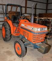 KUBOTA L2250 TRACTOR - 469 HOURS ** View Video**